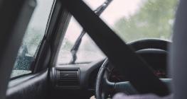 musim-hujan-tiba,-perhatikan-3-hal-berikut-saat-berkendara