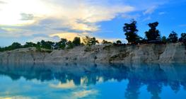 blue-moment,-fenomena-alam-khas-pantai-belitung