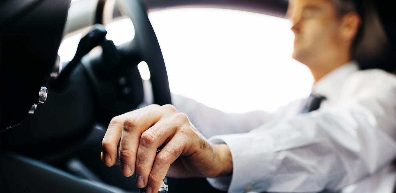 Transmisi Mobil Manual Bukan Tempat Mengistirahatkan Tangan