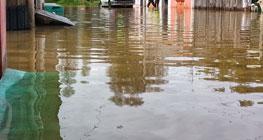 mencegah-banjir-saat-musim-dengan-curah-hujan-tinggi