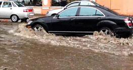 asuransi-mobil-kena-banjir-wajib-ada-dalam-produk-asuransi-kendaraan-anda